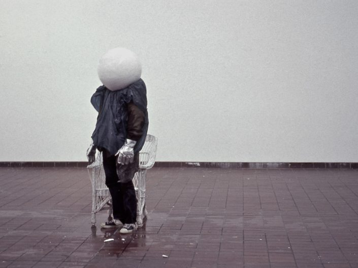 Christoph Both-Asmus, Atlas, 2005, photographic documnentation of durational-ritual-live-performance, ice (40 kg / -160 °), various probs