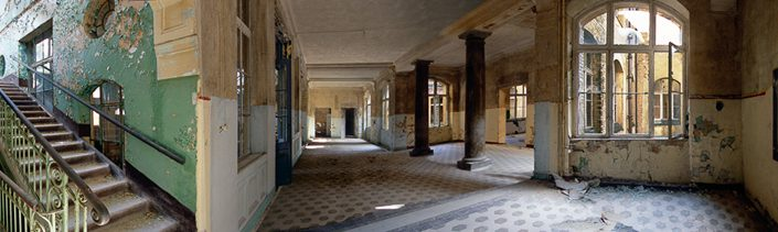Frauke Bergemann - Bauten in der Warteschleife